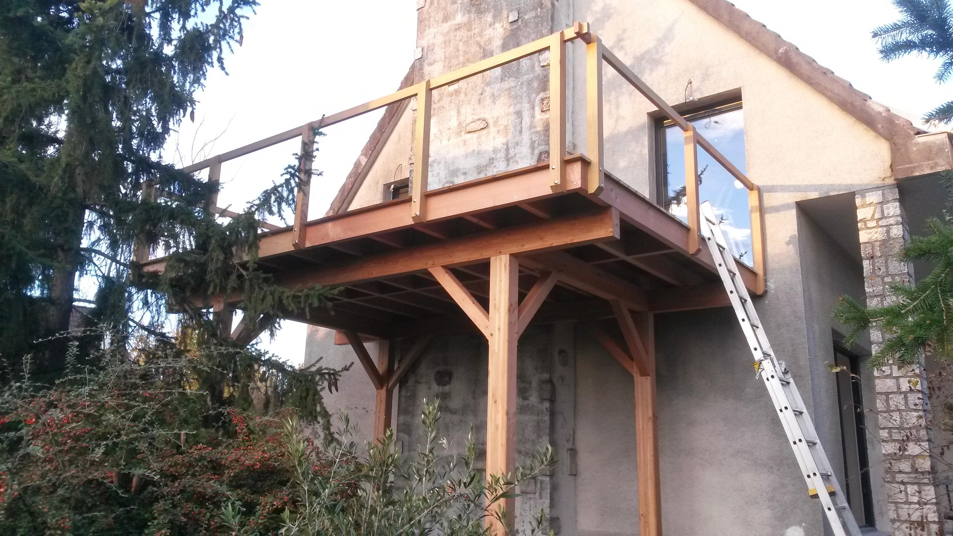 terrasse surelevee bois ou beton diverses. Black Bedroom Furniture Sets. Home Design Ideas