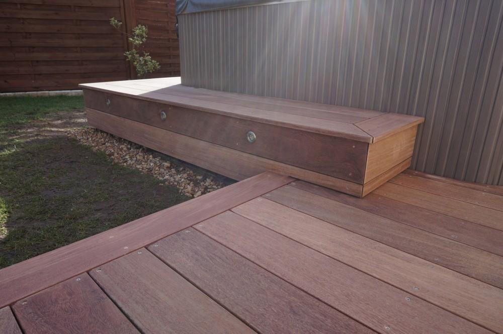 Terrasse en bois autour d 39 un spa dans le loiret loire for Etancheifier une terrasse