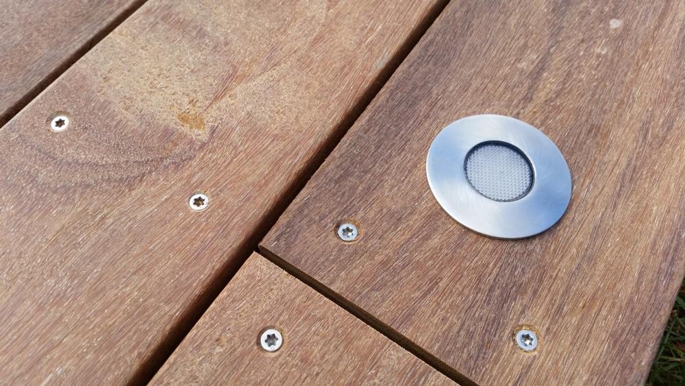 terrasse bois avec eclairage integre