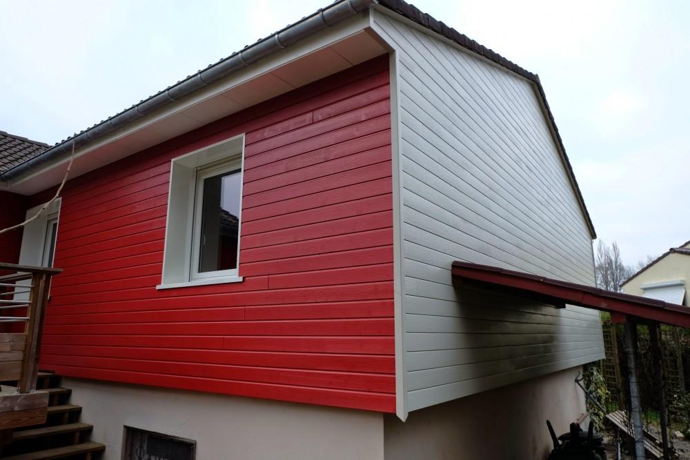 Isolation et bardage bois rouge et blanc loire eco bois for Isolation maison exterieur bardage bois