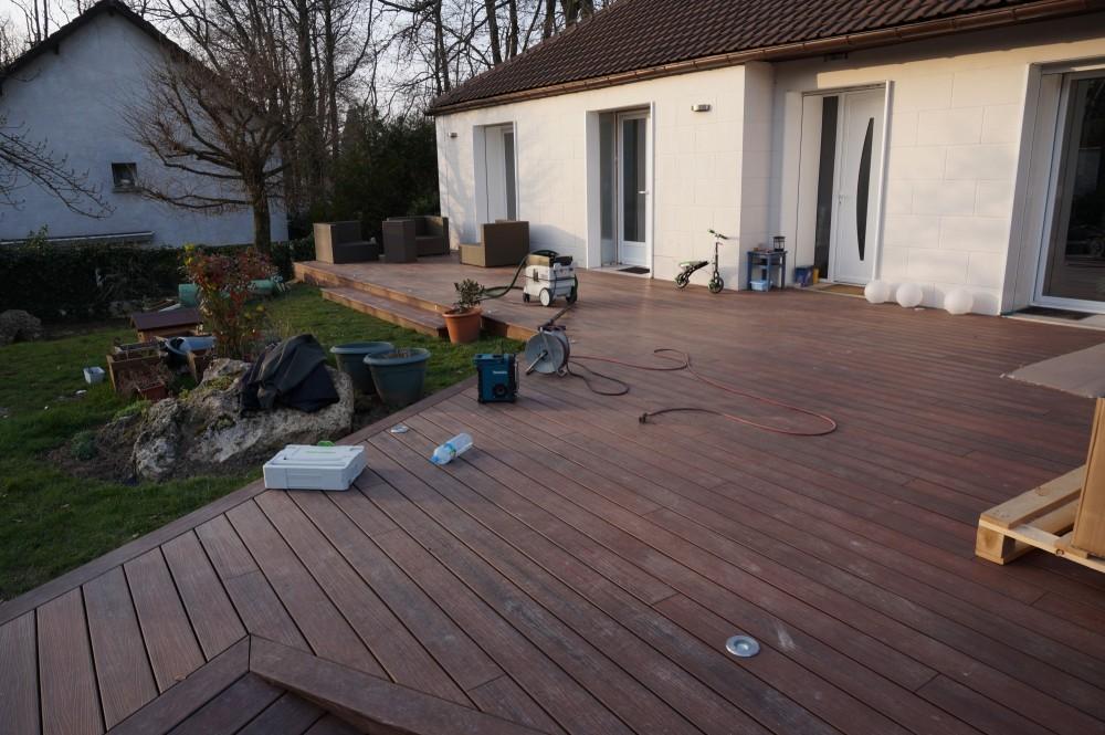 entretien terrasse bois en pin diverses id es de conception de patio en bois pour. Black Bedroom Furniture Sets. Home Design Ideas
