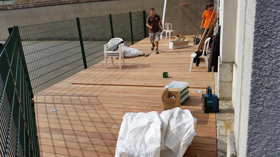 espace entre lame terrasse amazing lame de terrasse en bois exotique une terrasse en lames de. Black Bedroom Furniture Sets. Home Design Ideas