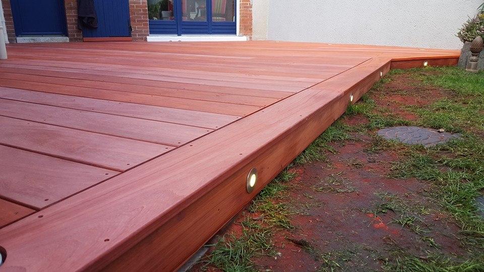 Terrasse bois sur mesure orl ans loire eco bois for Belle terrasse en bois