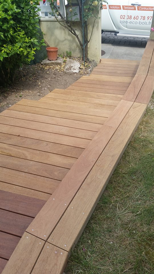 Habillage bois d 39 un escalier ma onn loire eco bois - Changer un escalier en bois ...