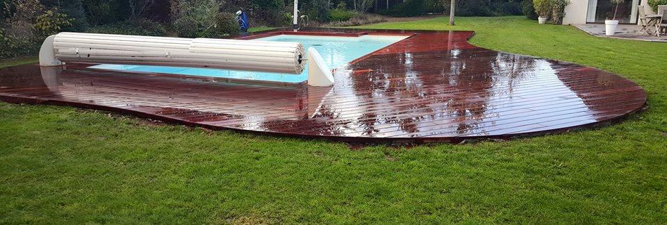 Plage de piscine en bois loire eco bois for Chauffer piscine au bois